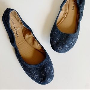 Lucky Brand Erin Denim Floral Embroidered Flat 9.5